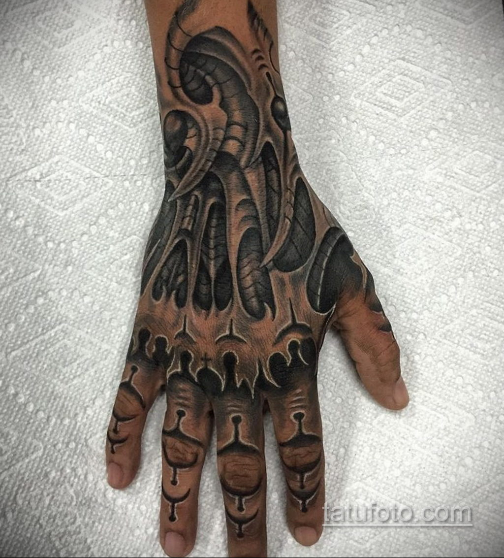 тату биомеханика на руке 31.10.2019 №007 - biomechanics tattoo - tatufoto.com