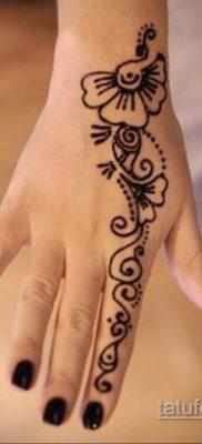 Пример временной татуировки хной на фото 11.11.2019 №289 -henna tattoo- tatufoto.com