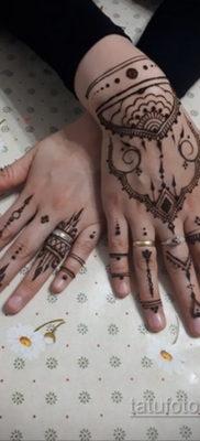 Пример временной татуировки хной на фото 11.11.2019 №296 -henna tattoo- tatufoto.com