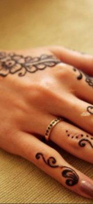 Пример временной татуировки хной на фото 11.11.2019 №302 -henna tattoo- tatufoto.com