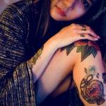 красивая девушка с татуировкой 24.11.2019 №005 -beautiful girl with a tattoo- tatufoto.com