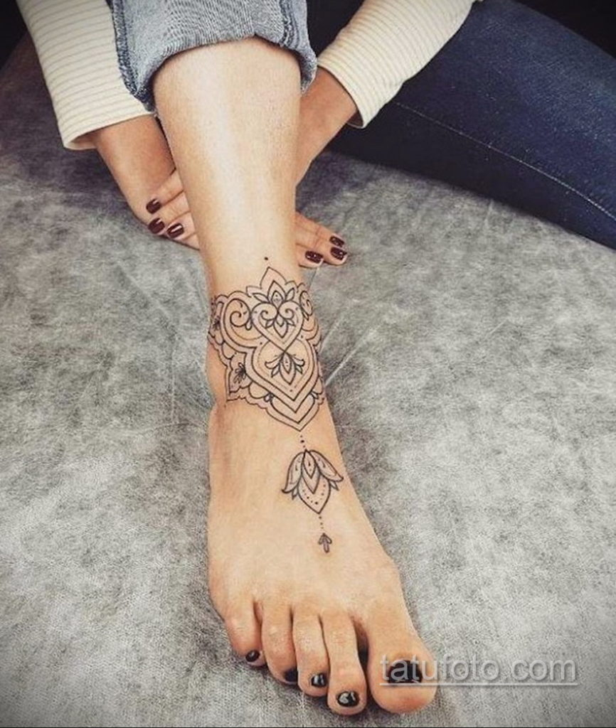 тату на щиколотке женские 18.11.2019 №044 -ankle tattoos for women- tatufoto.com