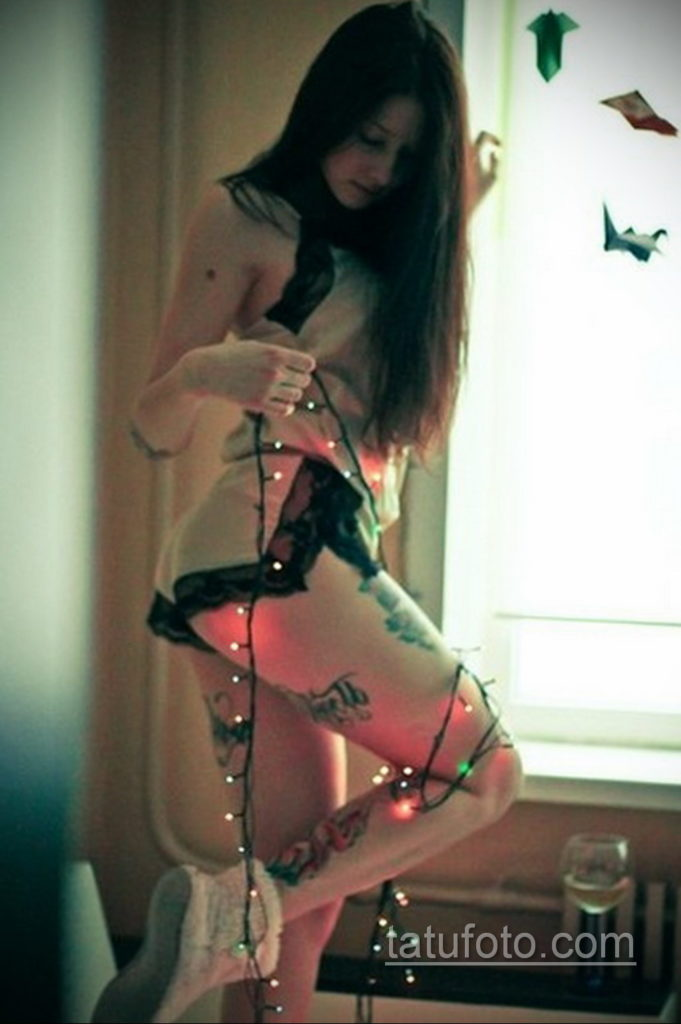 фото красивая девушка с тату 24.11.2019 №092 -beautiful girl with a tattoo- tatufoto.com
