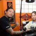 Двенадцатилетний тату-мастер из Сингапура - фото