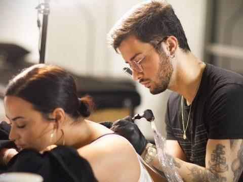 Новая татуировка Деми Ловато (25.12.2019) - фото 1