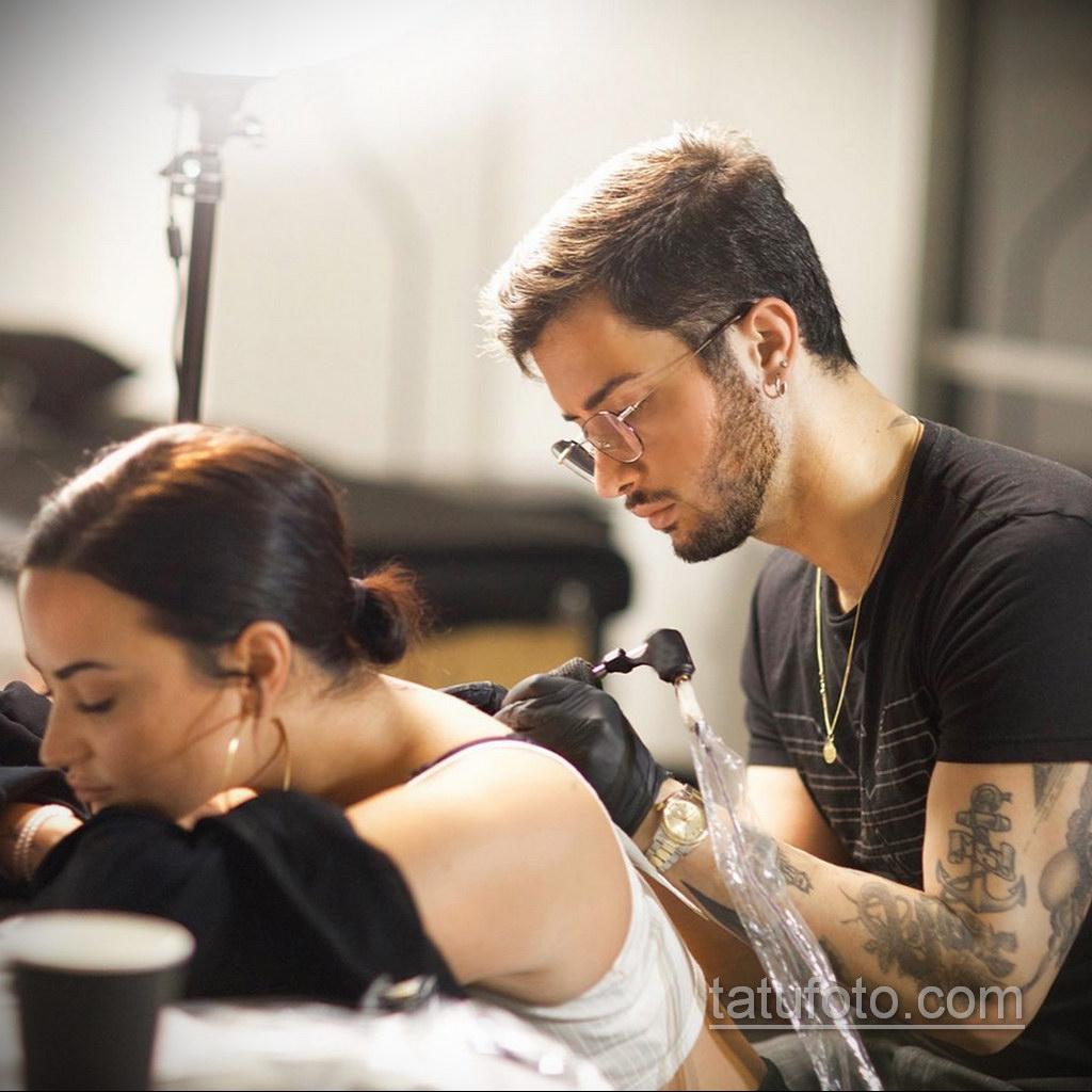 Новая татуировка Деми Ловато (25.12.2019)