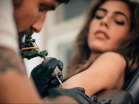 Современные татуировки которые можно отключать - фото 1