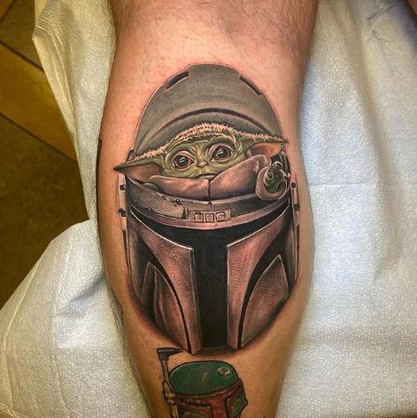 Фото пример татуировки с персонажем Бэйби Йода (Baby Yoda) из сериала Мандалорец - фото 7