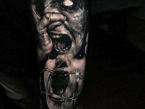 на фото татуировка в стиле Хоррор 12.12.2019 №009 -horror tattoo- tatufoto.com