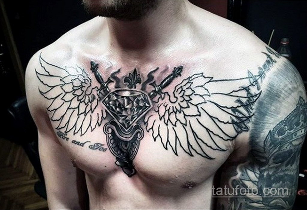 тату диамант на груди 02.12.2019 №016 -diamond tattoo on chest- tatufoto.com