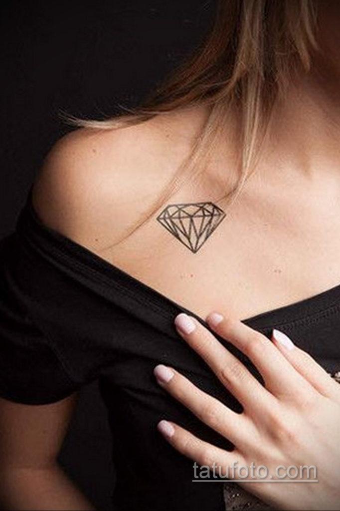 тату диамант на ключице 02.12.2019 №011 -diamond clavicle tattoo- tatufoto.com