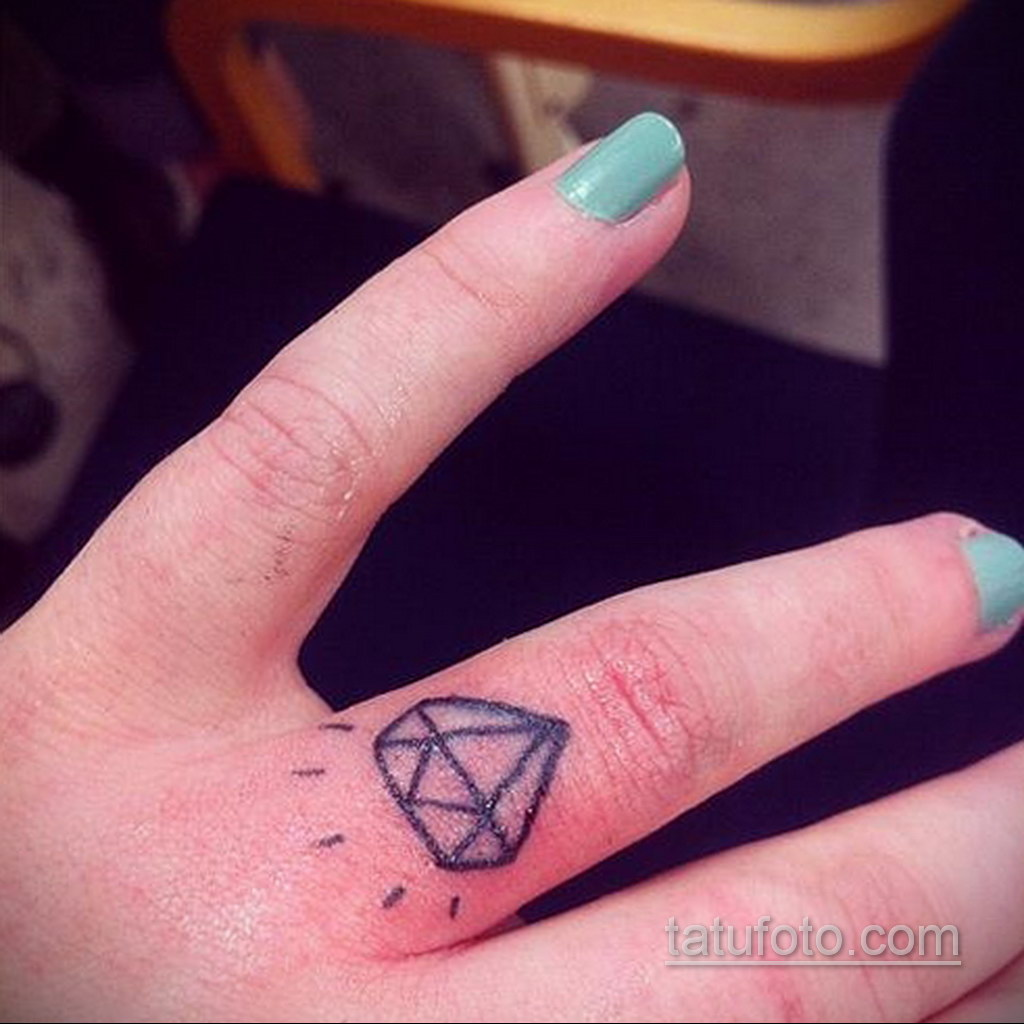 тату диамант на пальце 02.12.2019 №009 -diamond finger tattoo- tatufoto.com