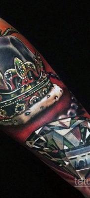 тату диамант с короной 02.12.2019 №021 -diamond tattoo with crown- tatufoto.com