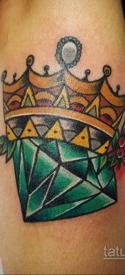 тату диамант с короной 02.12.2019 №035 -diamond tattoo with crown- tatufoto.com