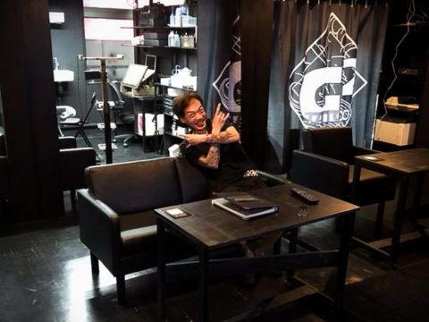 фото интерьера помещения тату салона 15.12.2019 №021 -tattoo parlor- tatufoto.com
