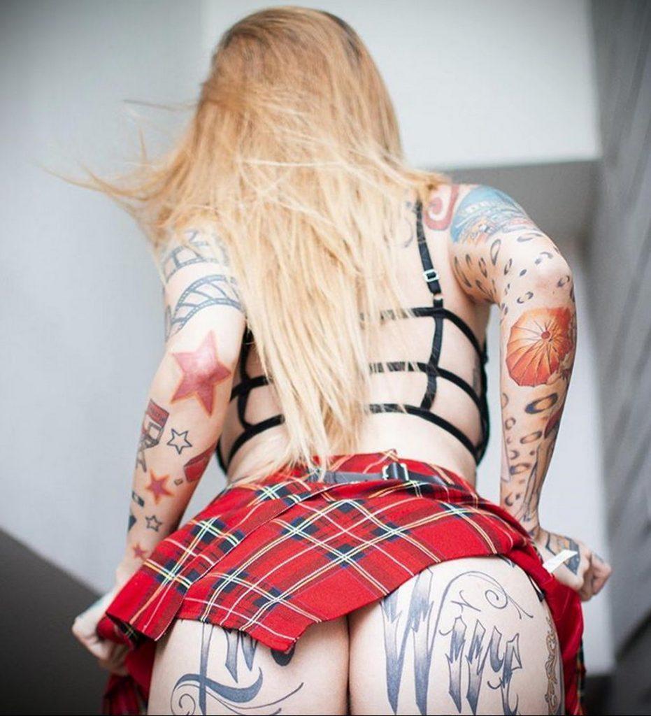 фото тату модели девушки в школьной форме - @jacqueline.faccio