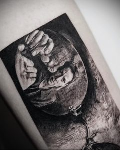 ben_tats и фото татуировки на тему фильма - Матрица 2