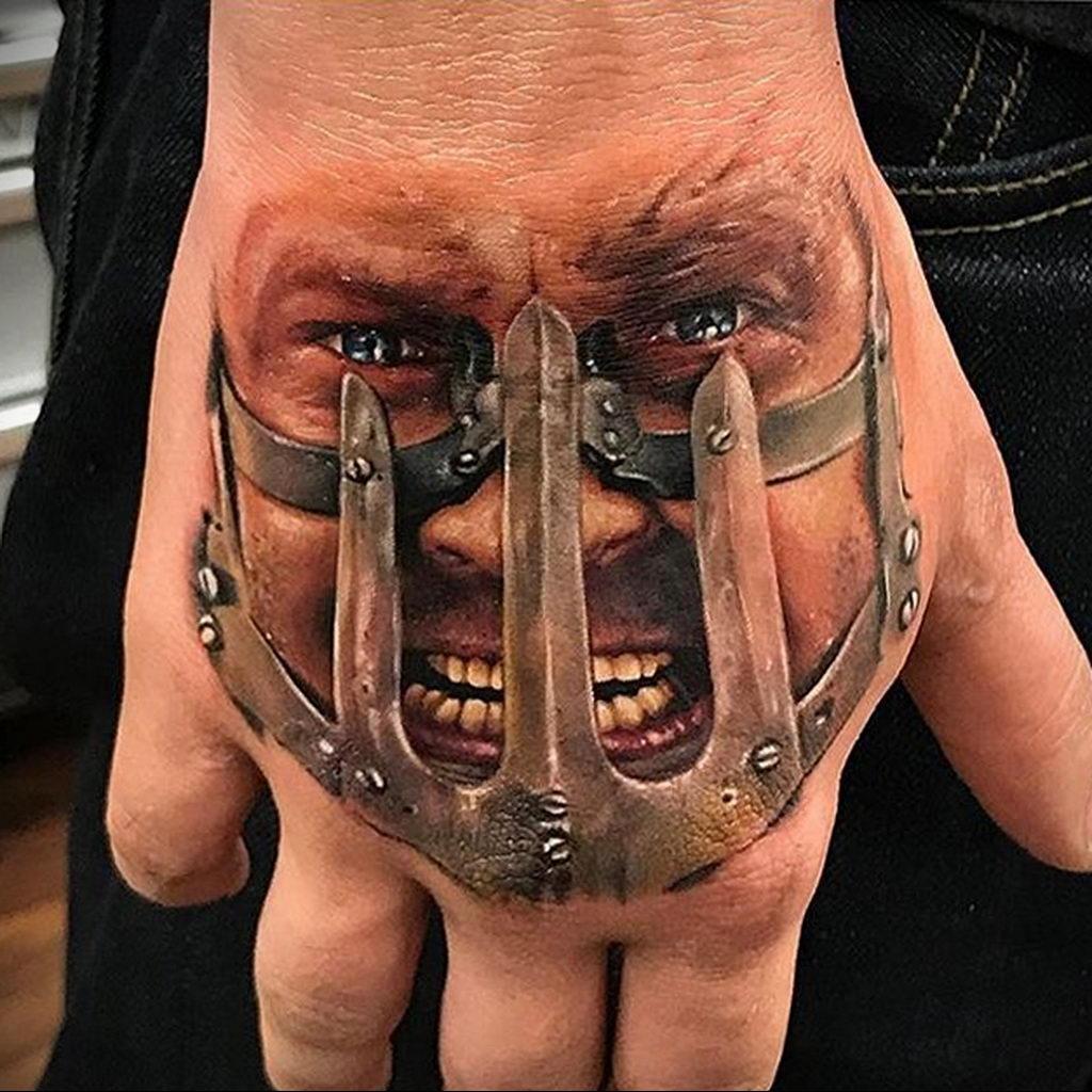 stencilstuff и фото татуировки на тему фильма – Mad Max 1