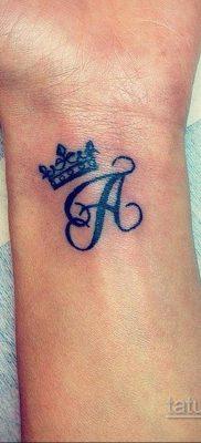 фото тату корона на запястье для девушек 02.01.2020 №1015 -crown tattoo- tatufoto.com
