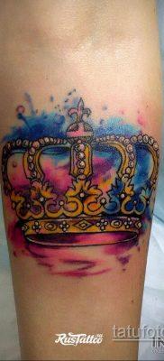 фото тату корона на запястье для мужчин 02.01.2020 №1006 -crown tattoo- tatufoto.com