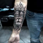 фото тату корона на запястье для мужчин 02.01.2020 №1007 -crown tattoo- tatufoto.com