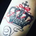 фото тату корона на запястье для мужчин 02.01.2020 №1014 -crown tattoo- tatufoto.com
