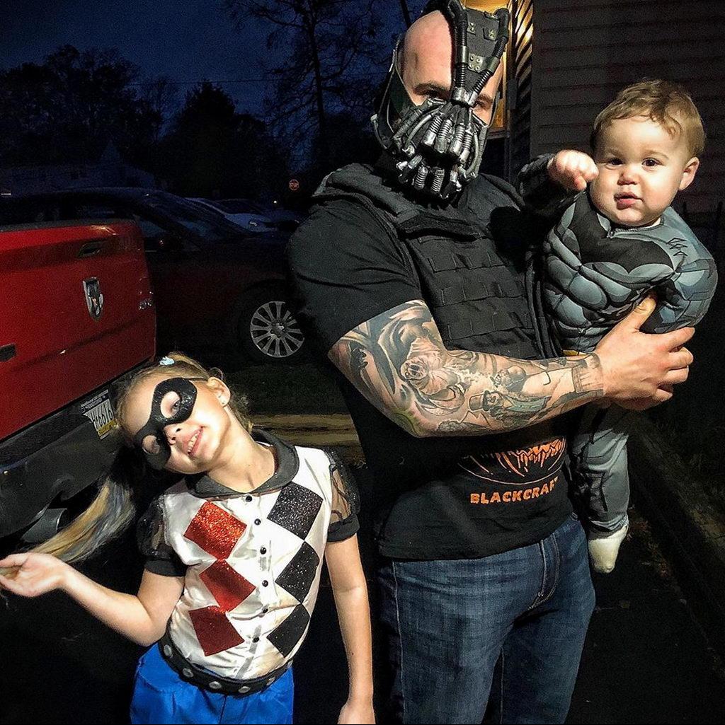 @thekingpinofsmoke – фото полицейского с татуировками для сайта tatufoto.com 7