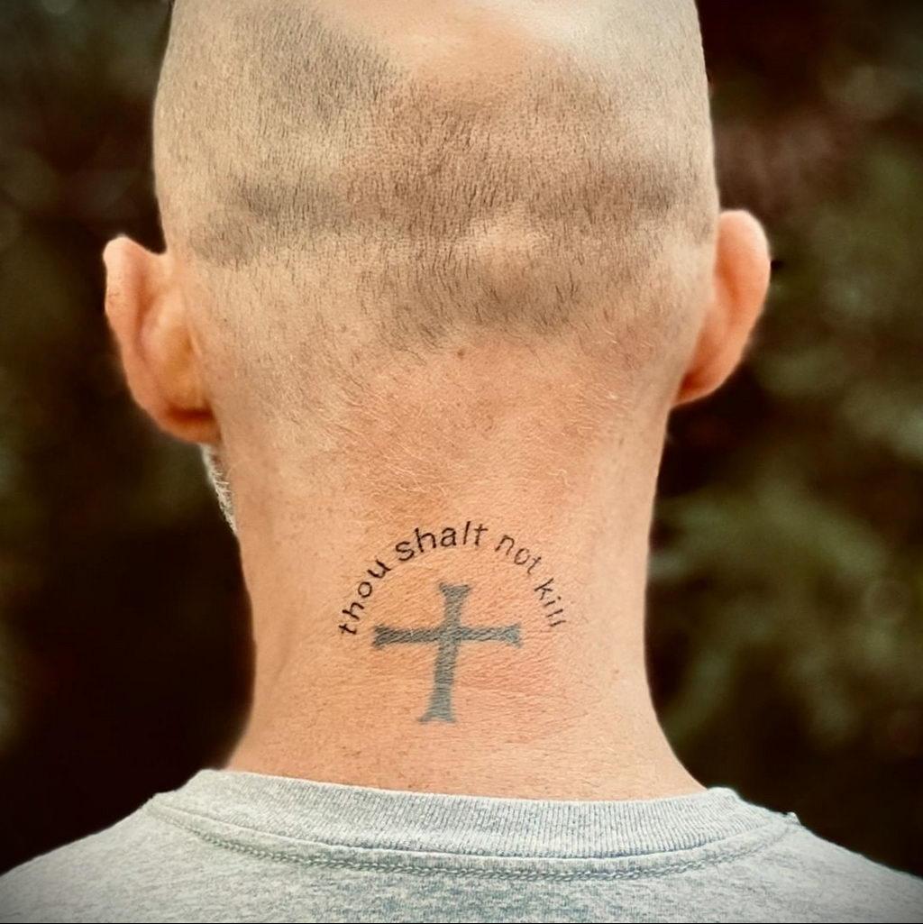 Новая веганская татуировка музыканта Moby (Моби) - фото 5