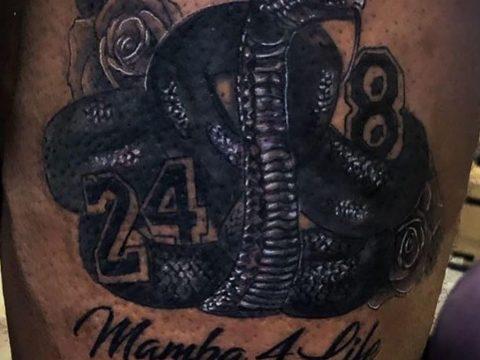Новая татуировка Леброна Джеймса в память о Коби Брайанте – Черная Мамба (змея) - фото 1
