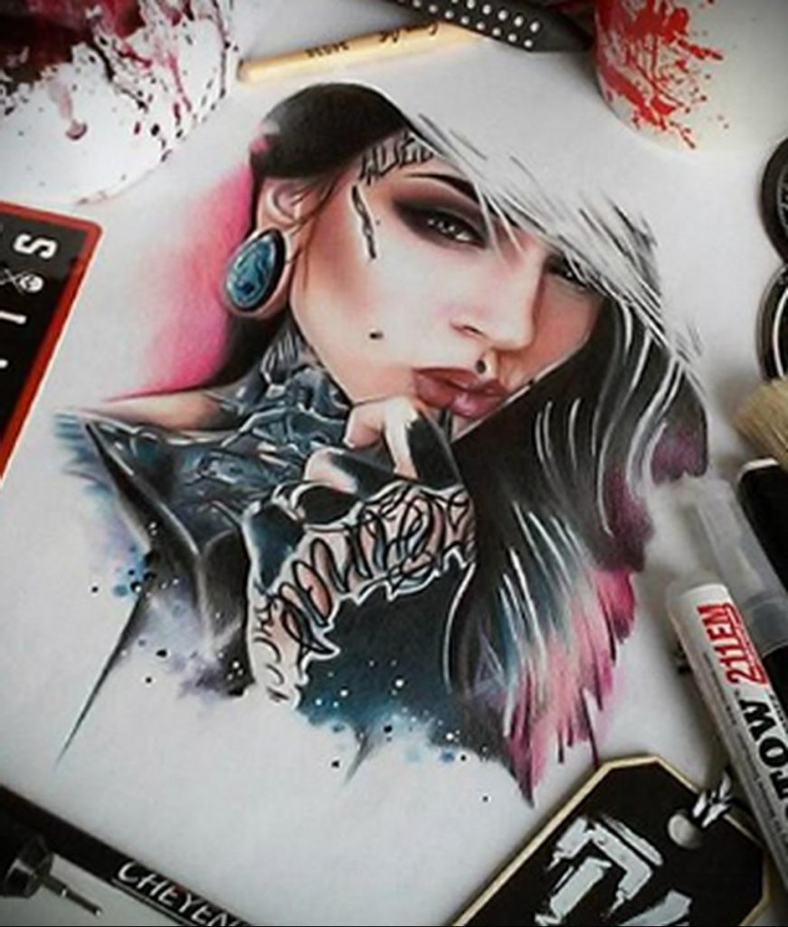 Пример невероятно реалистичного рисунка с девушкой у которой есть на теле татуировкаи для сайта tatufoto.com 20