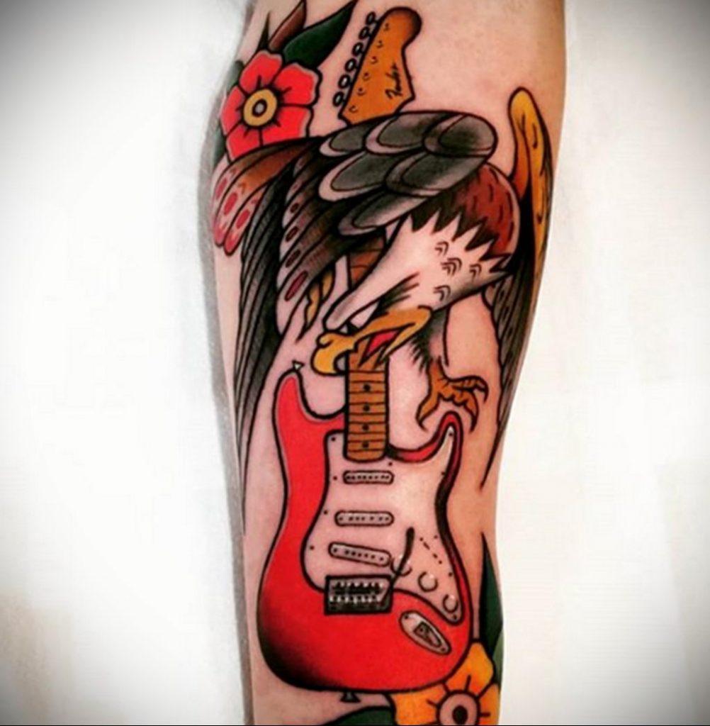 Тату гитара и орел - фото