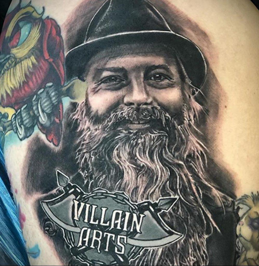 Фото тату рисунка сделанного в рамках Филадельфийской тату конвенции 2020 года - фото 24