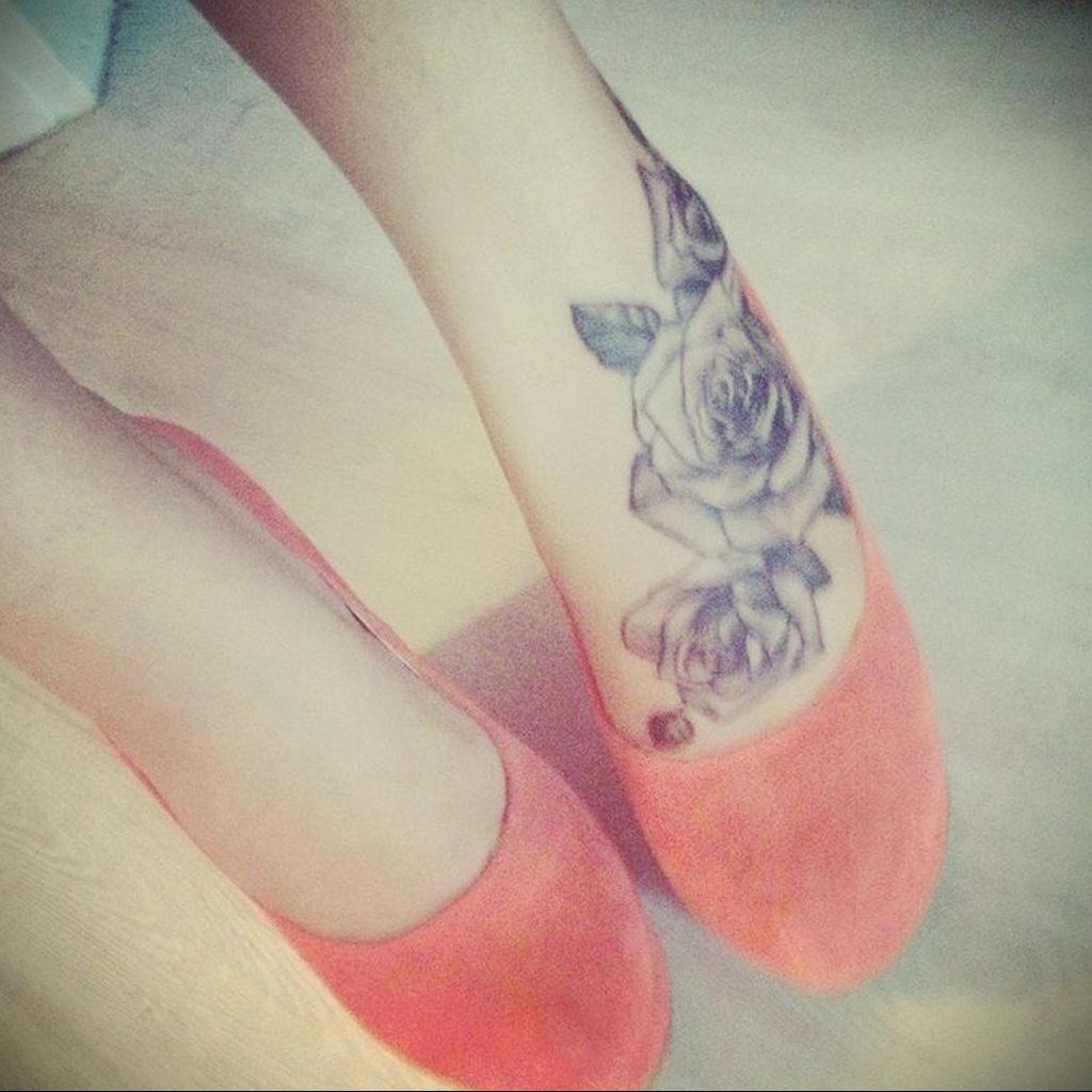 тату роза на ноге девушки 04.02.2020 №024 -rose tattoo for girl- tatufoto.com