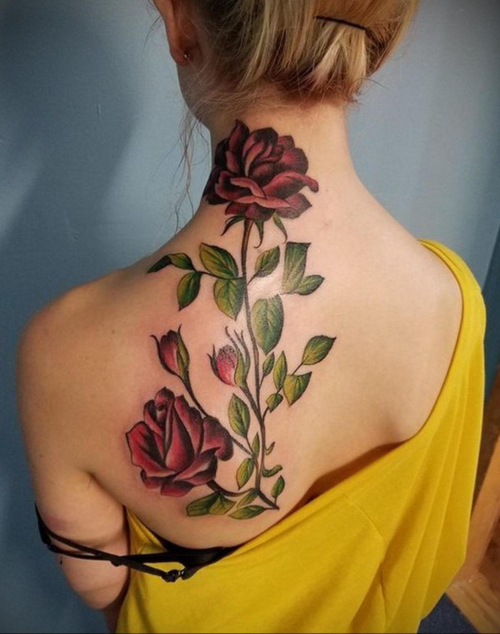 тату роза на спине девушки 04.02.2020 №001 -rose tattoo for girl- tatufoto.com
