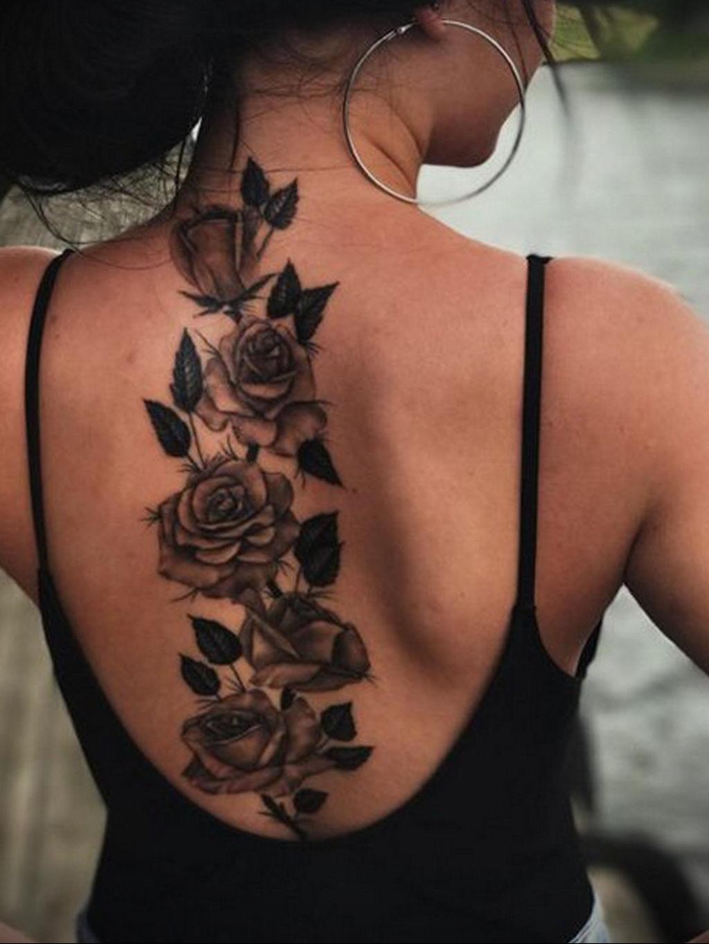 тату роза на спине девушки 04.02.2020 №023 -rose tattoo for girl- tatufoto.com