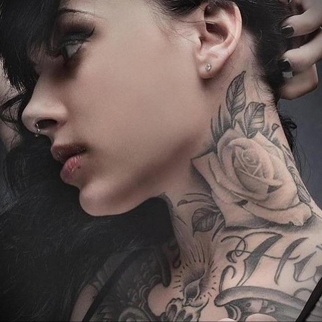 тату роза на шее девушки 04.02.2020 №007 -rose tattoo for girl- tatufoto.com