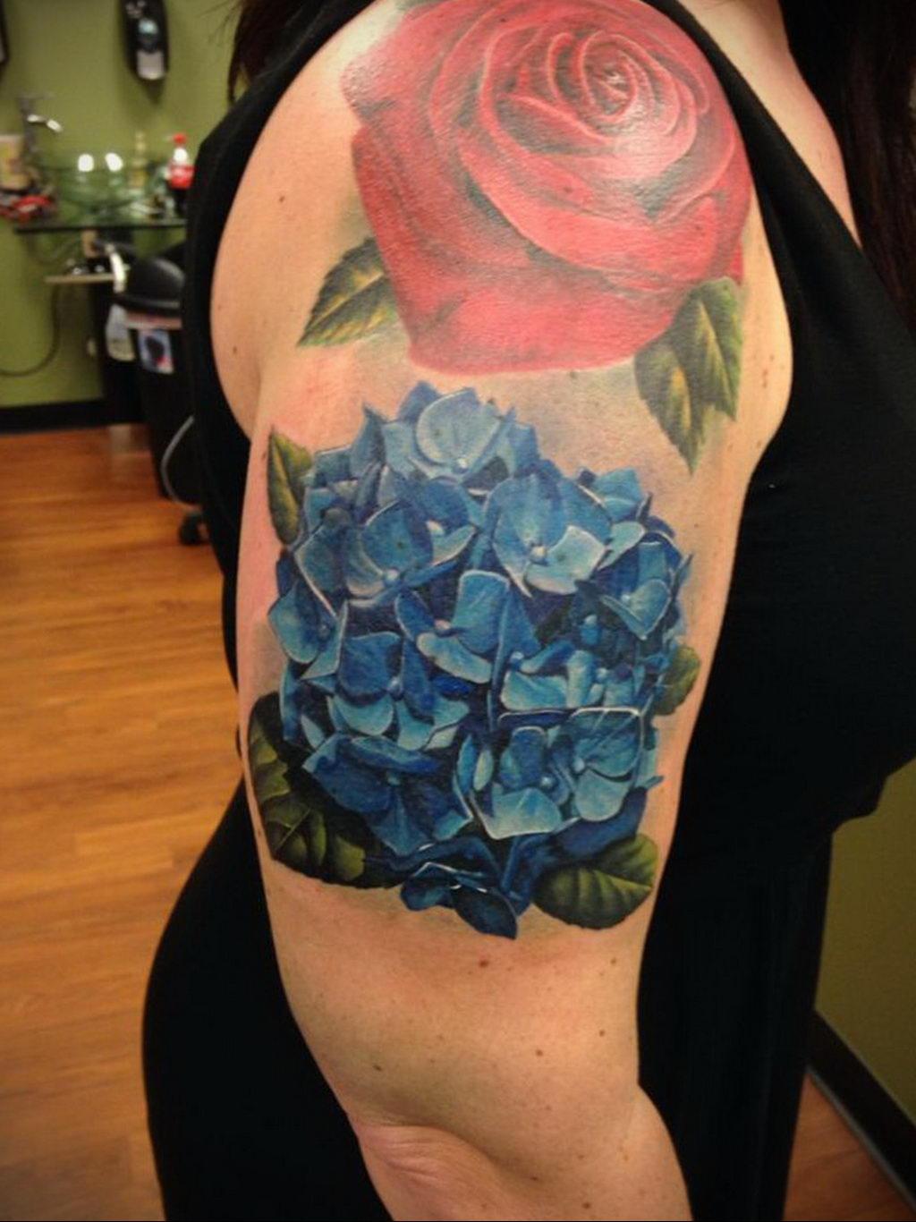 тату синяя роза для девушки 04.02.2020 №008 -rose tattoo for girl- tatufoto.com