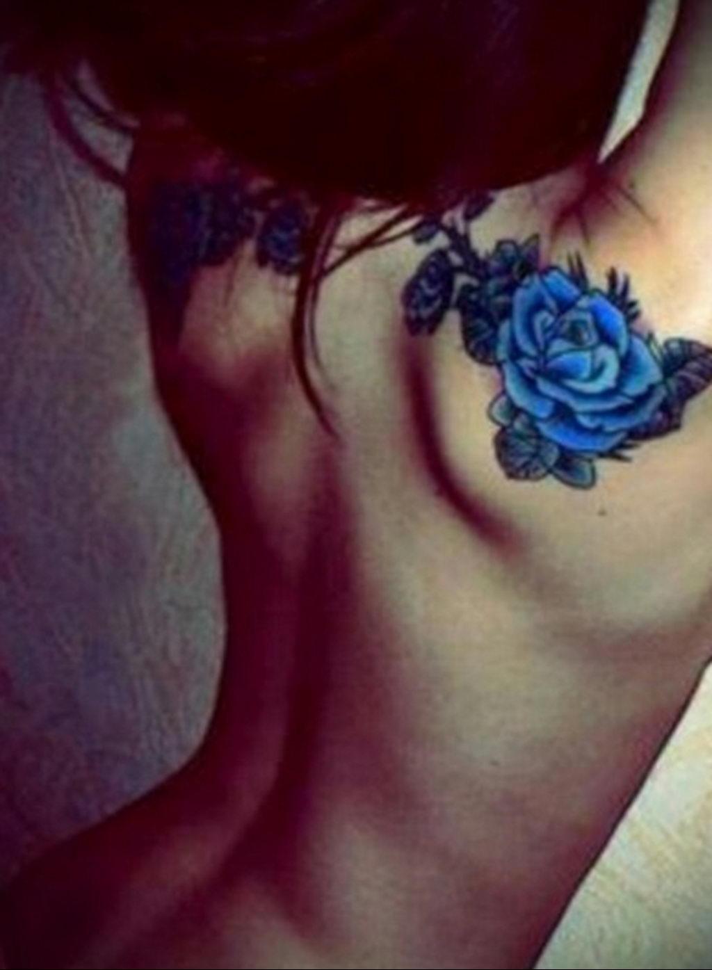 тату синяя роза для девушки 04.02.2020 №111 -rose tattoo for girl- tatufoto.com