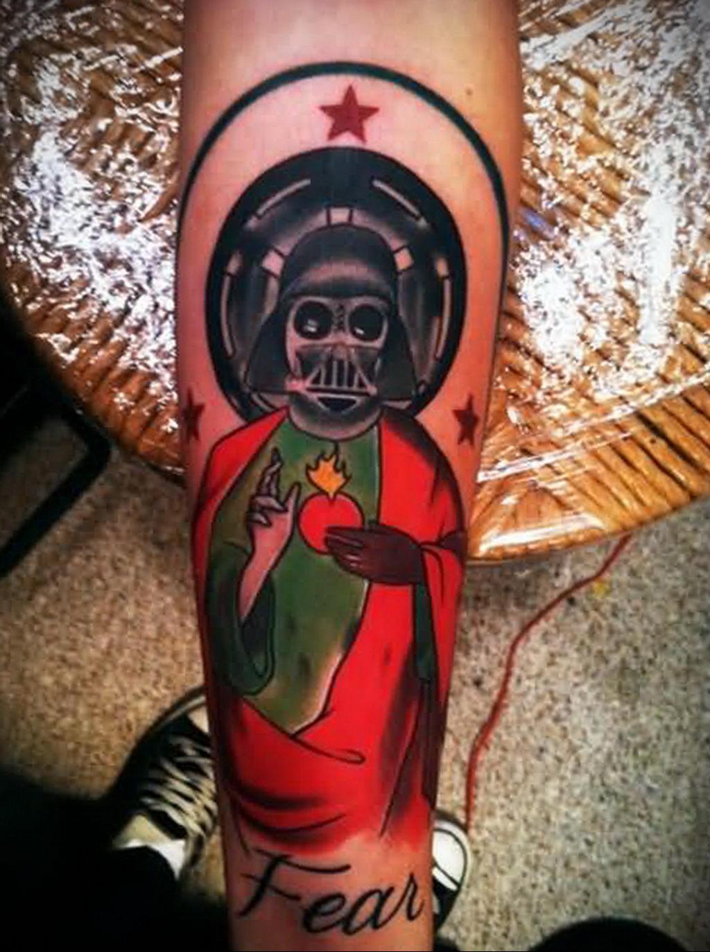 фото пример тату Дарт Вейдер 04.02.2020 №1119 -darth vader tattoo- tatufoto.com