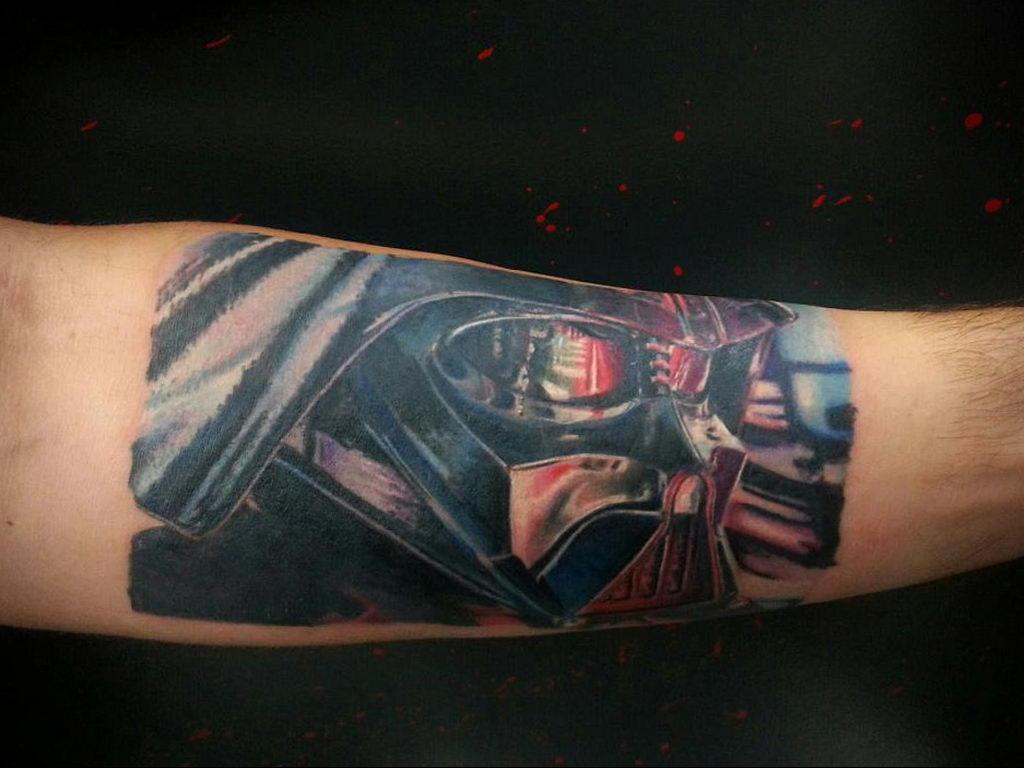 фото пример тату Дарт Вейдер 04.02.2020 №1146 -darth vader tattoo- tatufoto.com