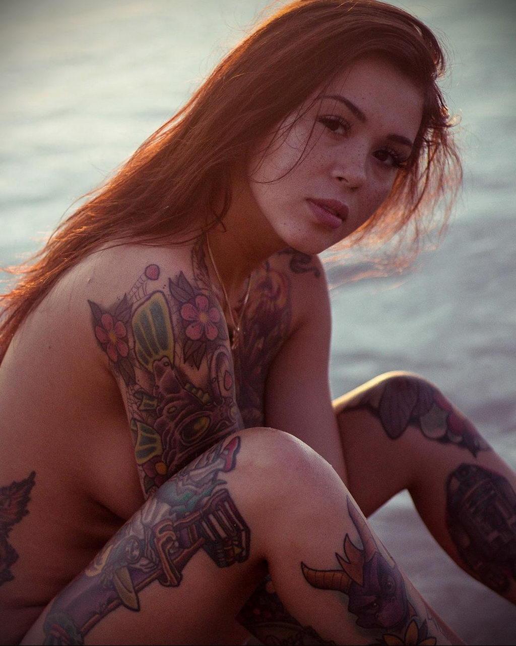 Работа для девушки с татуировками девушка девушка модель работа китай