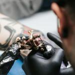 Майк Чемберс - Seven Swords - тату мастер который пожертвовал перчатки и маски для врачей - фото 2