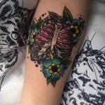 Фото татуировки с легкими человека 23.03.2020 №054 -lung tattoos- tatufoto.com
