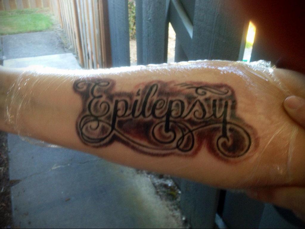 Фото татуировок для больных эпилепсией 25.03.2020 №055 -epilepsy tattoo- tatufoto.com