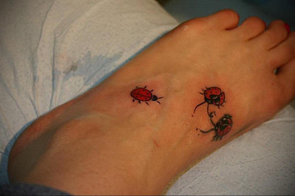 Фото тату про любовь рисунок Божья Коровка 03.02.2020 №152 -ladybug- tatufoto.com