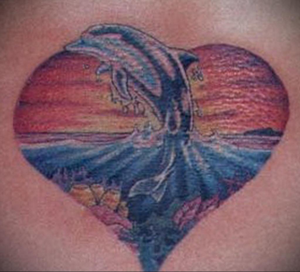 Фото тату про любовь рисунок Дельфин 03.02.2020 №032 -dolphin tattoo- tatufoto.com
