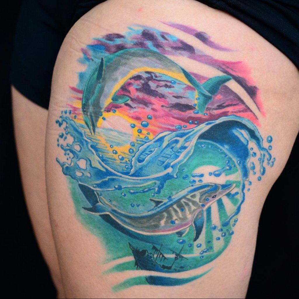 Фото тату про любовь рисунок Дельфин 03.02.2020 №153 -dolphin tattoo- tatufoto.com