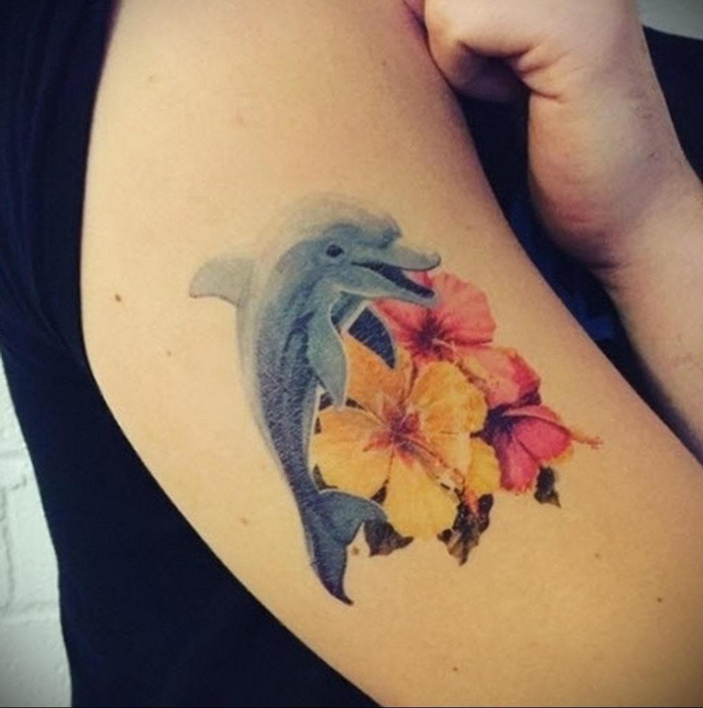 Фото тату про любовь рисунок Дельфин 03.02.2020 №178 -dolphin tattoo- tatufoto.com