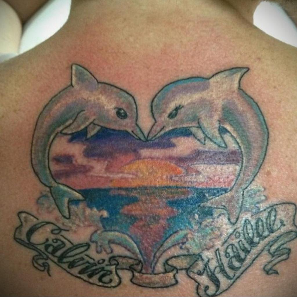 Фото тату про любовь рисунок Дельфин 03.02.2020 №217 -dolphin tattoo- tatufoto.com
