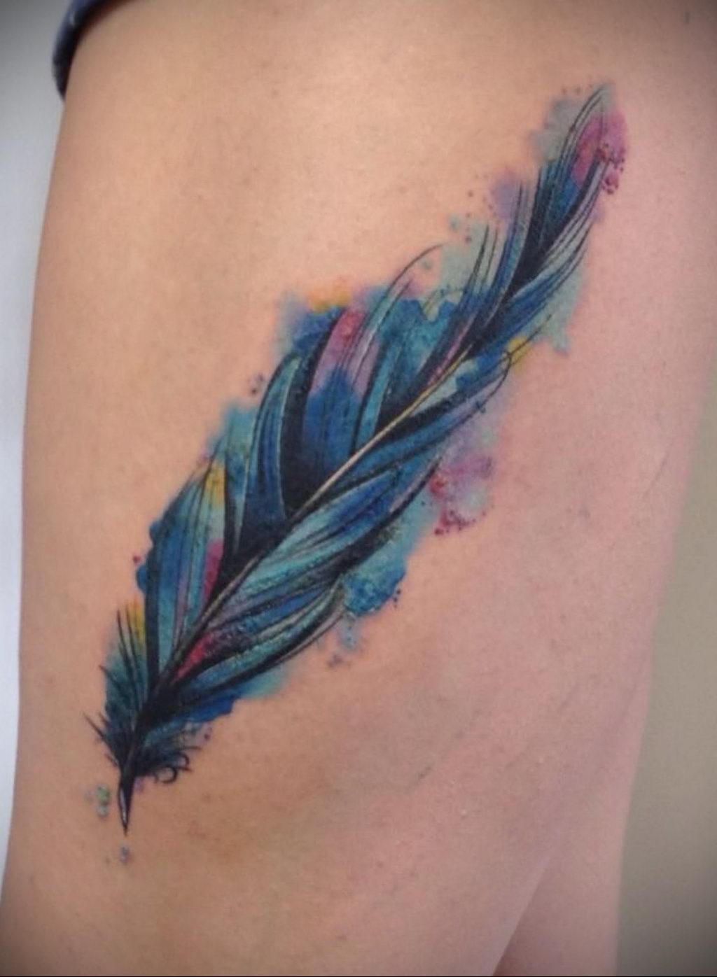 Фото тату про любовь рисунок Перо 03.02.2020 №285 -tattoo feather- tatufoto.com
